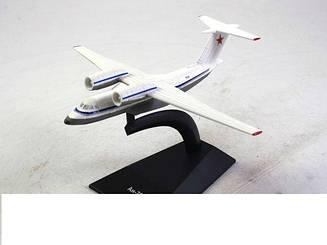 Модель Легендарные самолеты (ДеАгостини) Ан-72 (1:243)