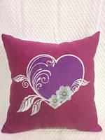 Подушка с оригинальной вышивкой