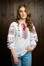 Подростковая вышитая блуза с красным орнаментом