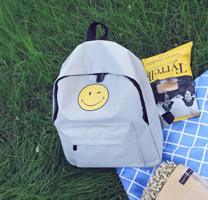 Тканевый рюкзак с радостным смайликом