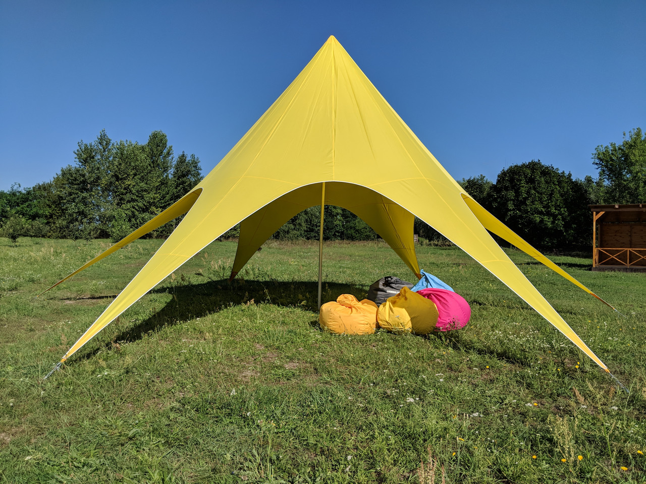 Палатка желтая, Звезда (бюджетная) 10 метровая для фестивалей, отдыха, спорта по Украине