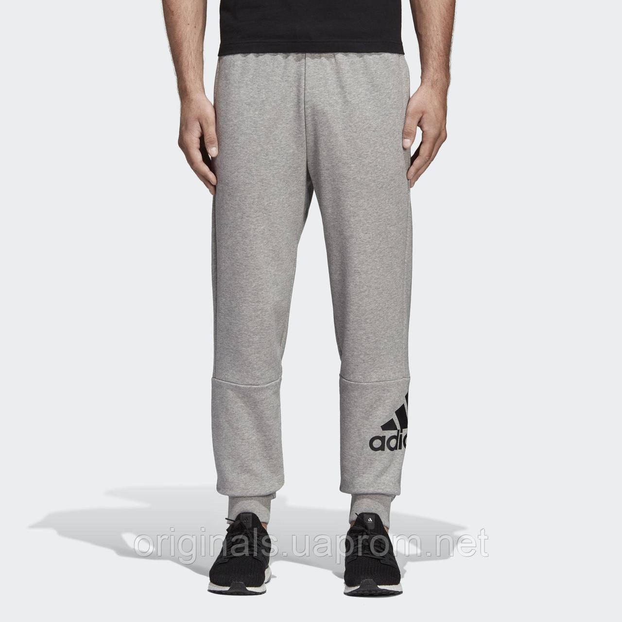 Зауженные спортивные штаны Adidas Must Haves Badge of Sport DT9959
