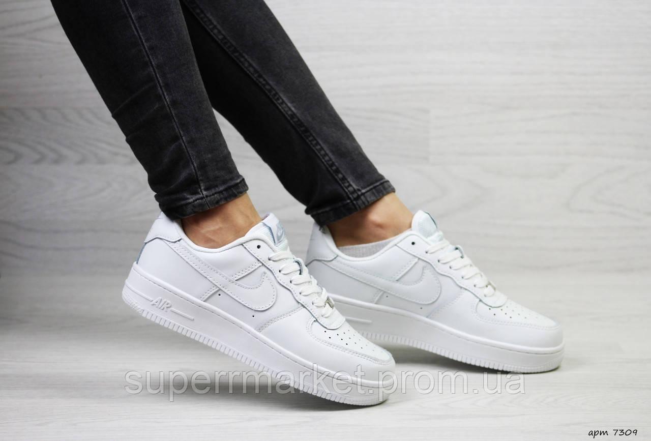 Кроссовки в стиле Air Force белые. Код 7309