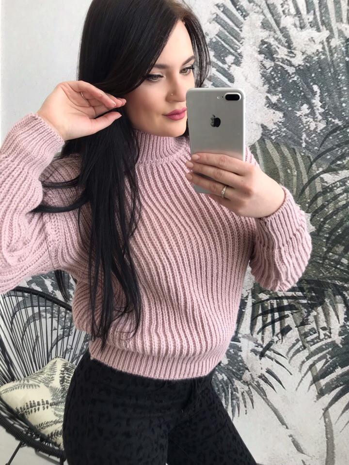 Стильный женский свитер из акрила