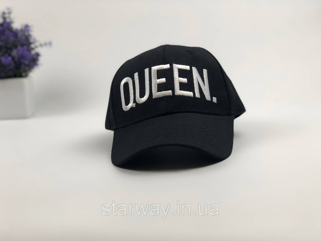 Кепка черная Queen logo   логотип вышит