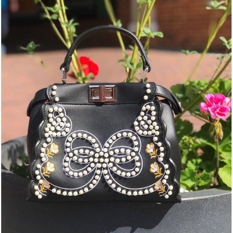 Женская сумочка Fendi с жемчугом - реплика