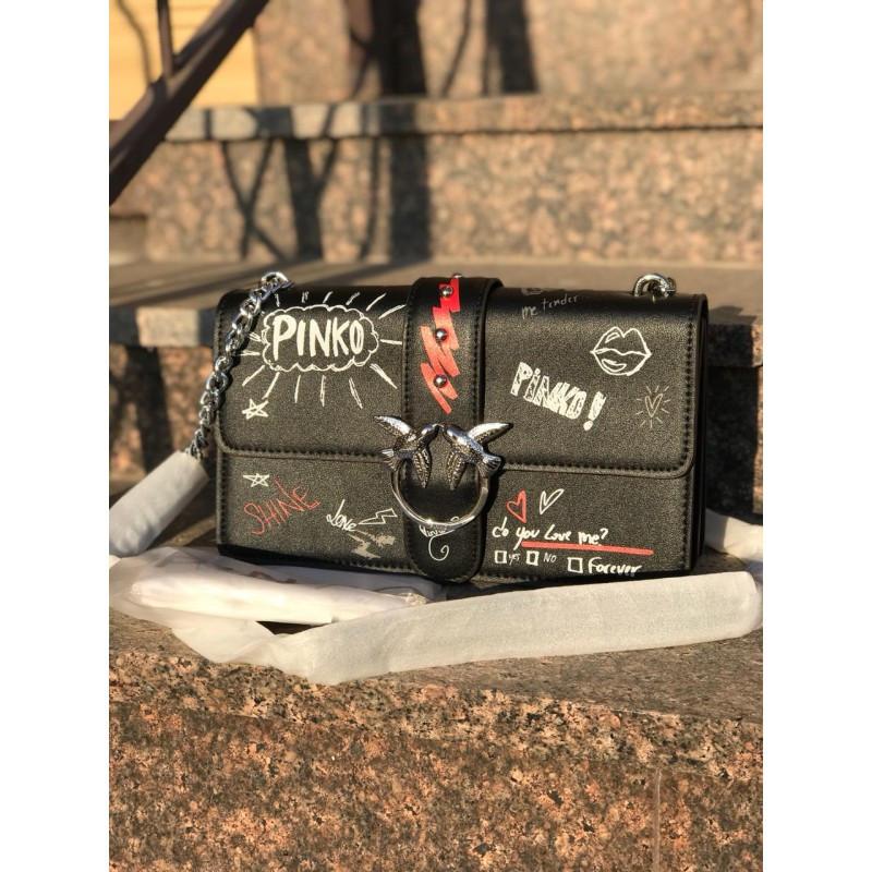Женская сумочка Pinko черная с надписями - реплика