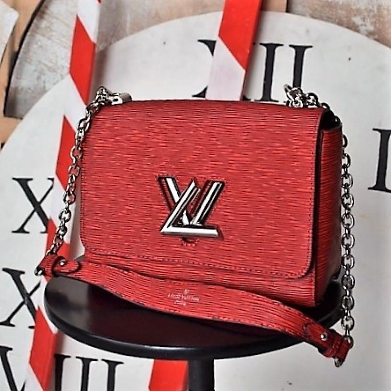 Красная женская сумка Louis Vuitton - реплика