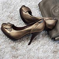 Туфли женские на каблуке из натуральной кожи коричневые