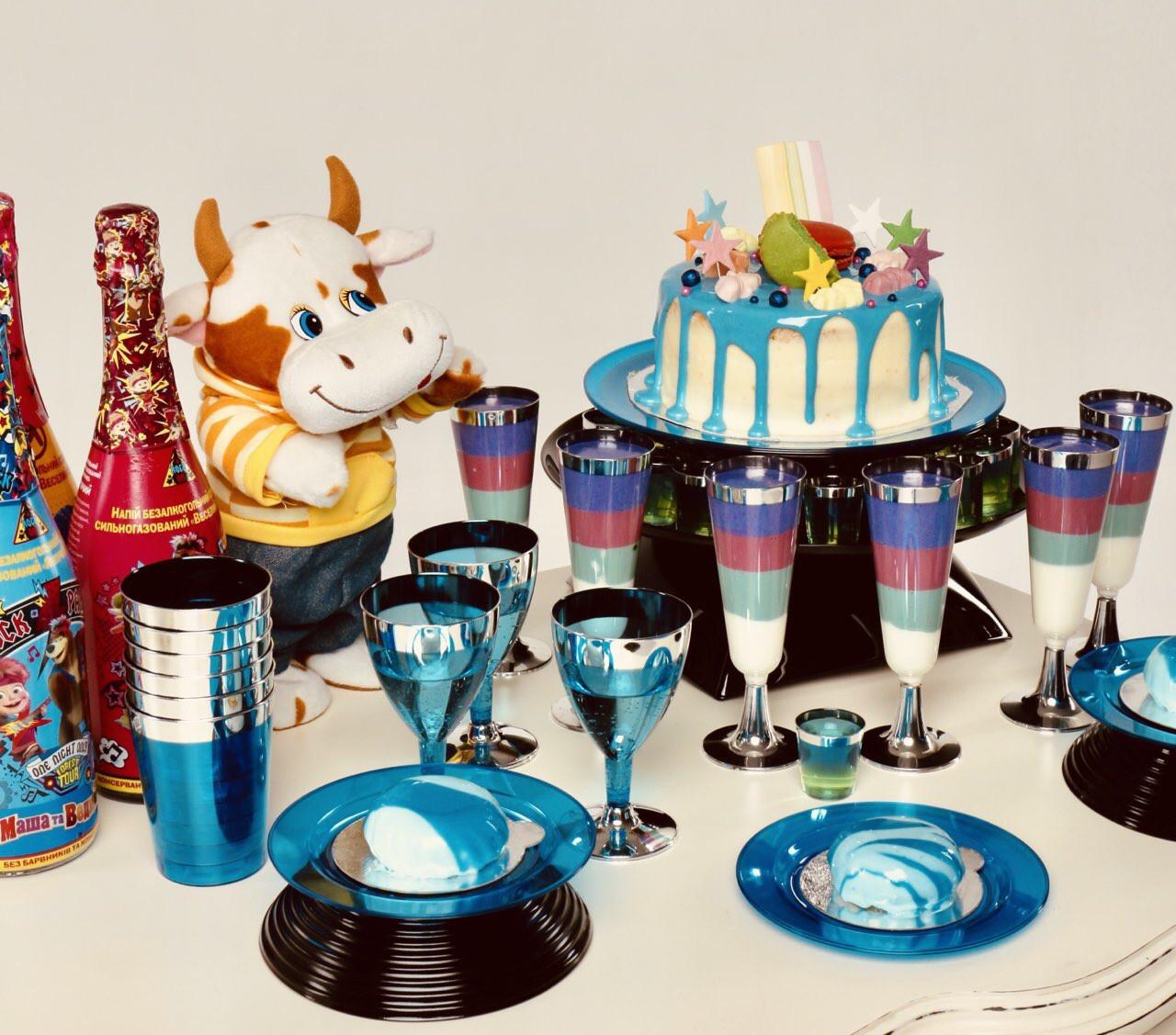 Стаканы одноразовые плотные, цветные для детского праздника, дня рождения, кенди бара CFP 6 шт 220 мл