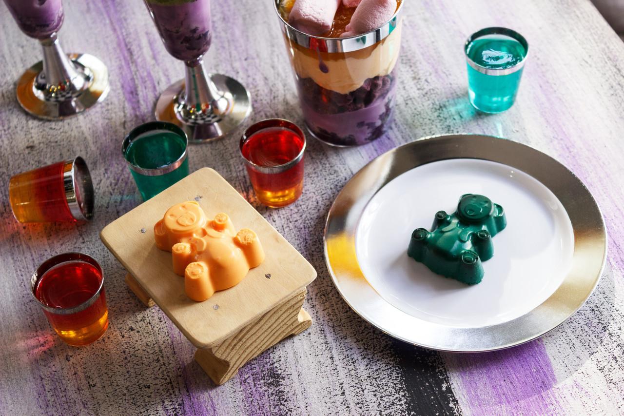 Пластиковые многоразовые тарелки десертные для детского праздника, дня рождения, кенди бара  CFP 6 шт 155 мм