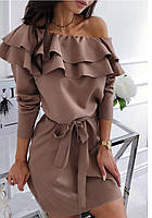 Платье с пышным воланом
