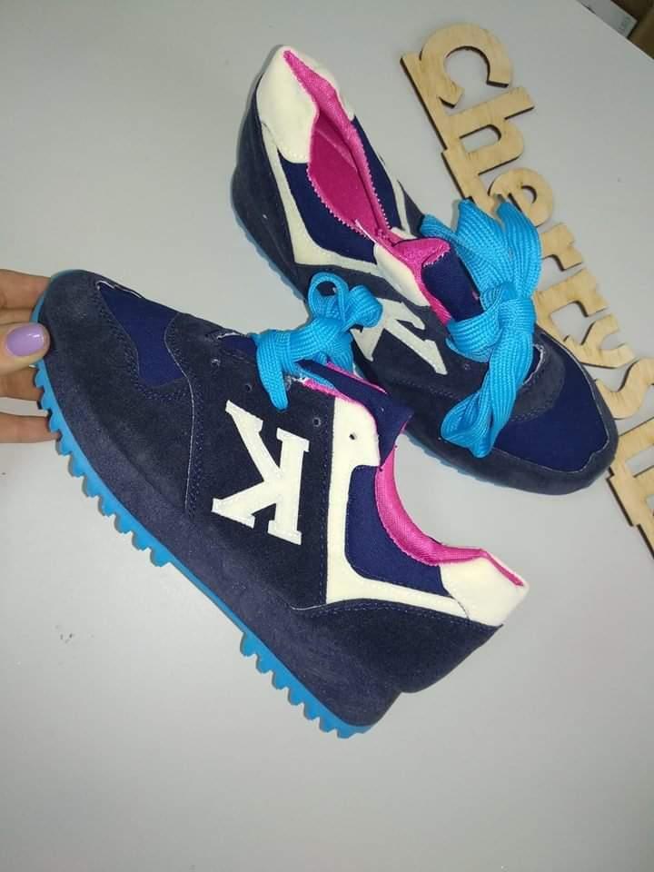 Класные кросовки 22.3-23и24см