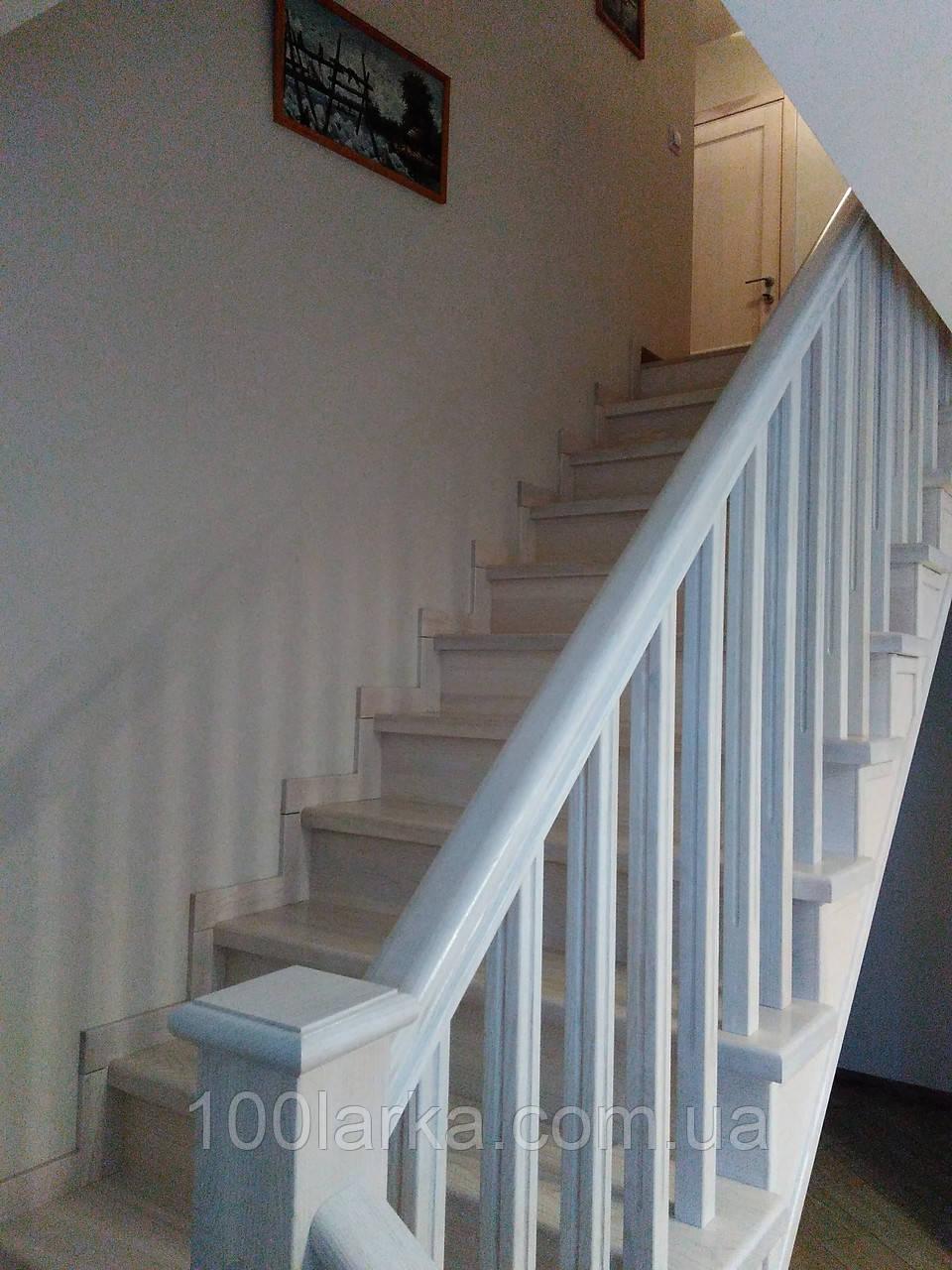Деревянные лестницы по бетону