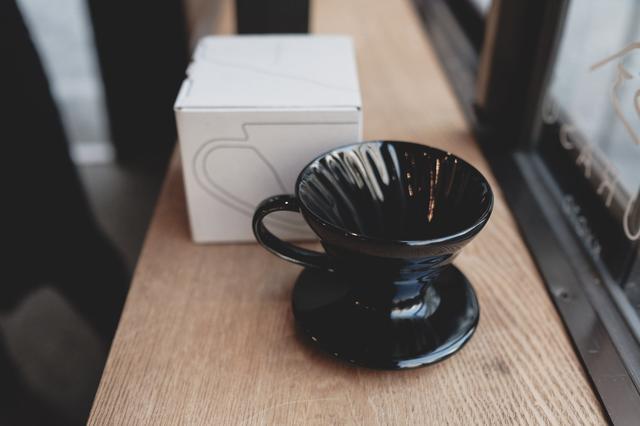 альтернативное заваривание кофе, пуровер харио черный, керамика, Тетсу Касуи