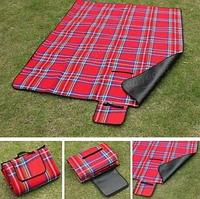 Водонепроницаемый коврик для пикника  размер 150 *180 см- Красный