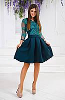 Женское платье из гипюра с пышной юбкой