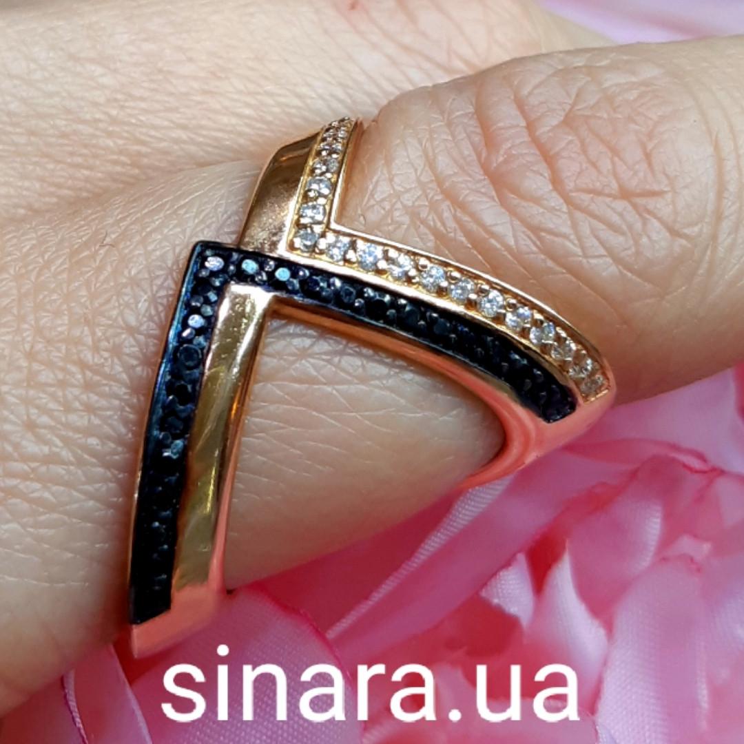 Кольцо серебро с позолотой и черными фианитами