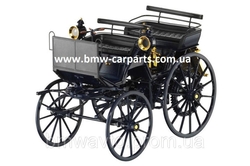 Историческая модель Mercedes Benz Моторизованная повозка Даймлера 1886г.