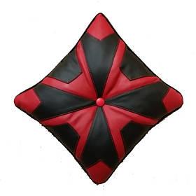 Декоративная подушка в стиле печворк черно-красная