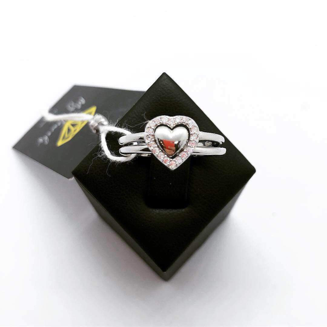 Кольцо из серебра Beauty Bar в стиле Pandora сердце двойное с цирконами (размер 17 и 17,5 )