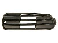 Решетка в бампер Audi 80 91-94 правая  0017 998, 8A0807346C01C