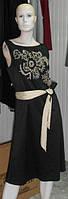 Выходное платье вышивкой и широким поясом