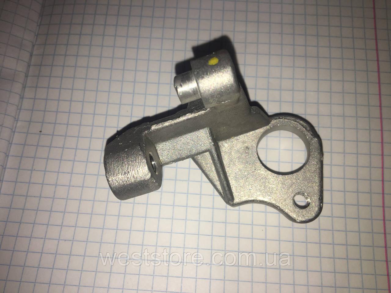 Кронштейн датчика положення колінвала Daewoo Lanos Ланос 1.5,OE 96351257