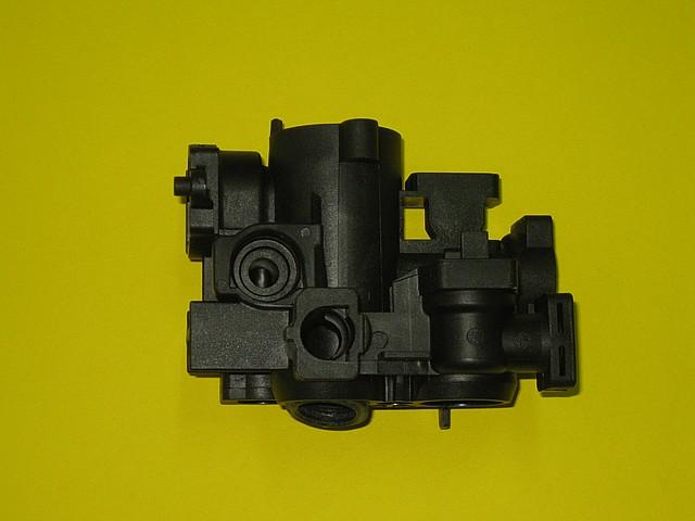 Корпус подающего контура (пластиковая часть трехходового клапана) WН1B 7830419 Viessmann Vitopend 100, фото 1