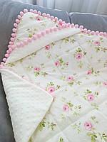Детский плед-конверт стёганный с капюшоном для девочки на выписку, в коляску, в кроватку с цветочным принтом