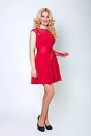 Женское платье со вставкой гипюра