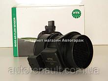 Расходомер воздуха на Рено Трафик 01-> 1.9dCi + 2.5dCi (135 л. с. ) — NGK (Япония) 90144