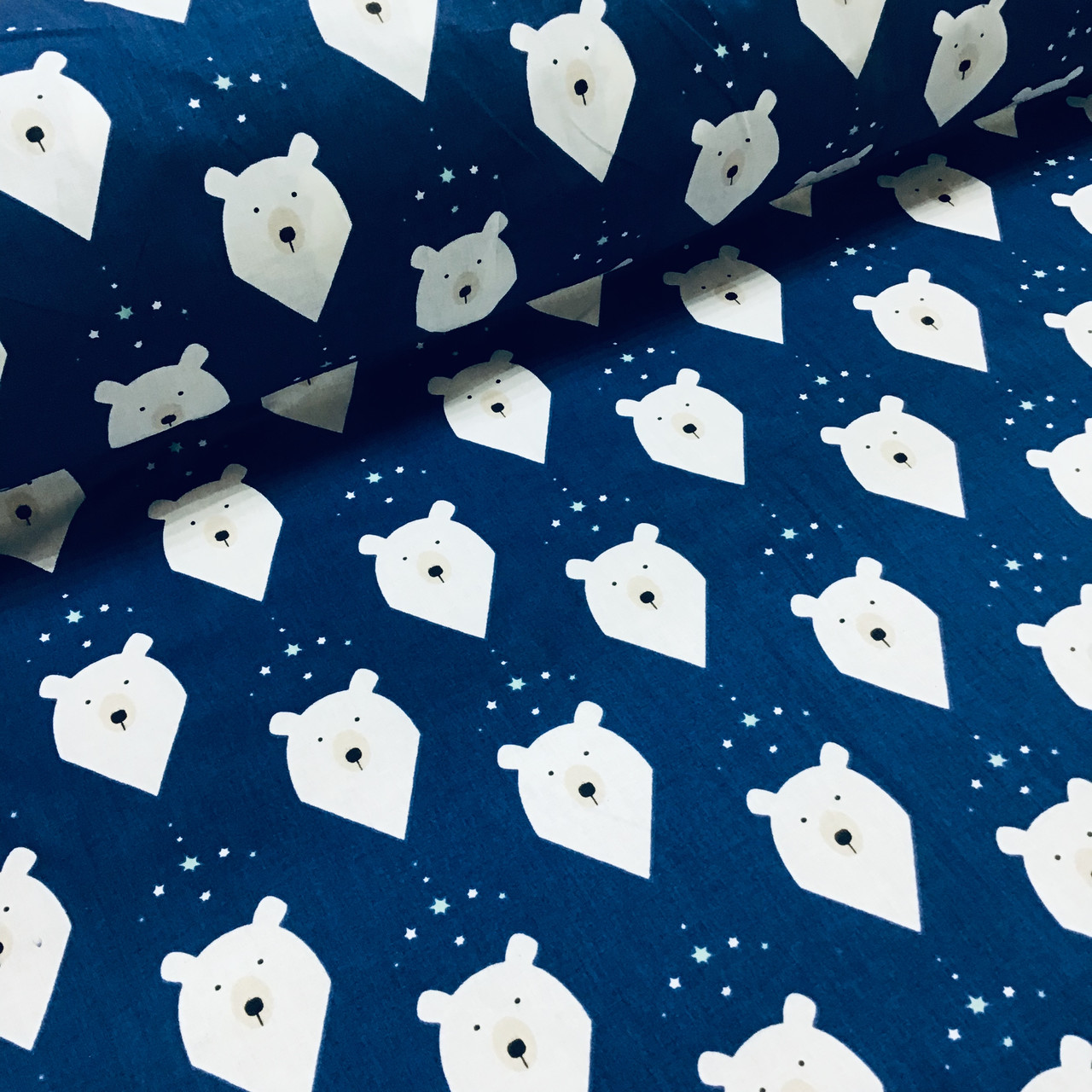 Ткань польская хлопковая, мишки белые с треугольниками на синем