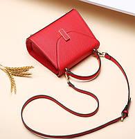Новая коллекция кожаных женских сумочек и рюкзаков