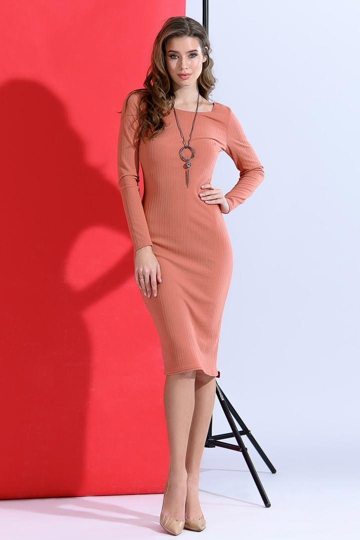 Красивое женское облегающее платье с кулоном 42-48р.