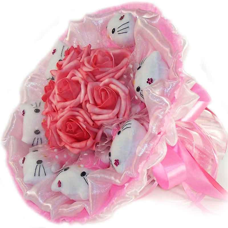 Букет из мягких игрушек Котики 7 с розами в розовом