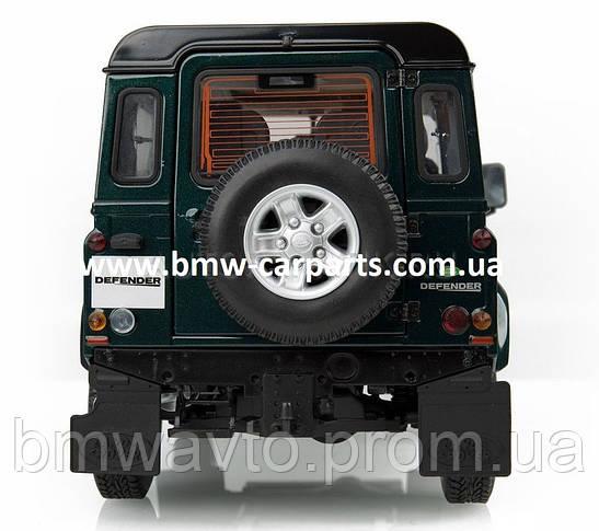 Модель автомобиля Land Rover Defender 90, Scale 1:18, фото 3