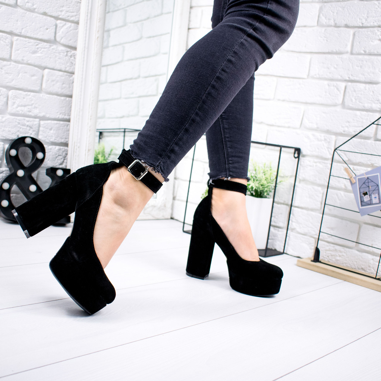 Туфли женские Rexa черные натуральная замша 6805