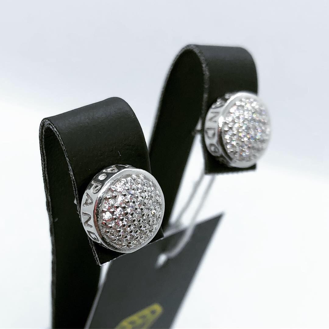 Сережки гвоздики з срібла 925 з цирконами і логотипом Pandora