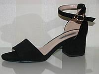 Черные женские замшевые босоножки на невысоком каблуке закрытая пятка  36 38