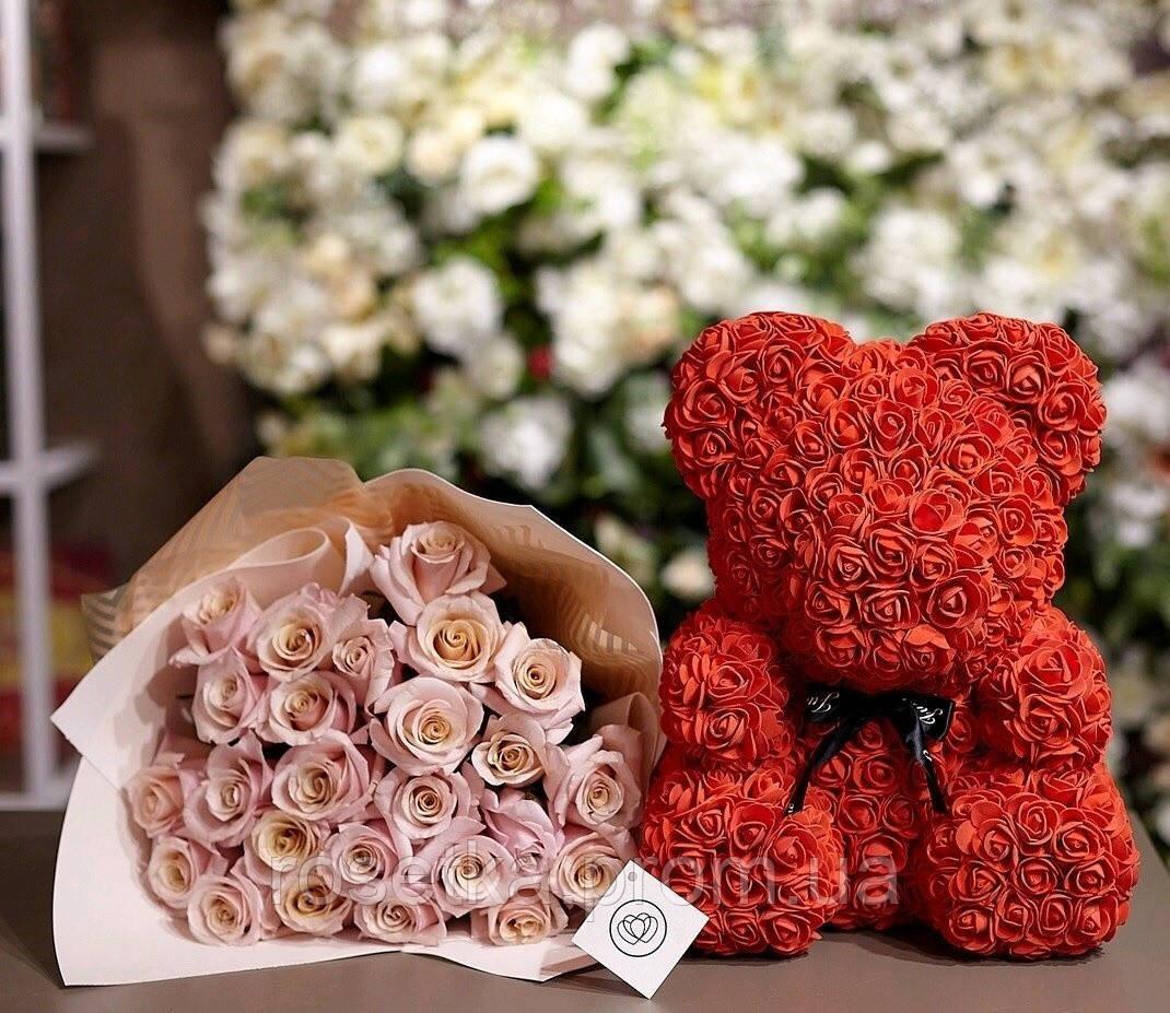 Мишко з фоамирановых 3D троянд з бантом, висота 25 див.