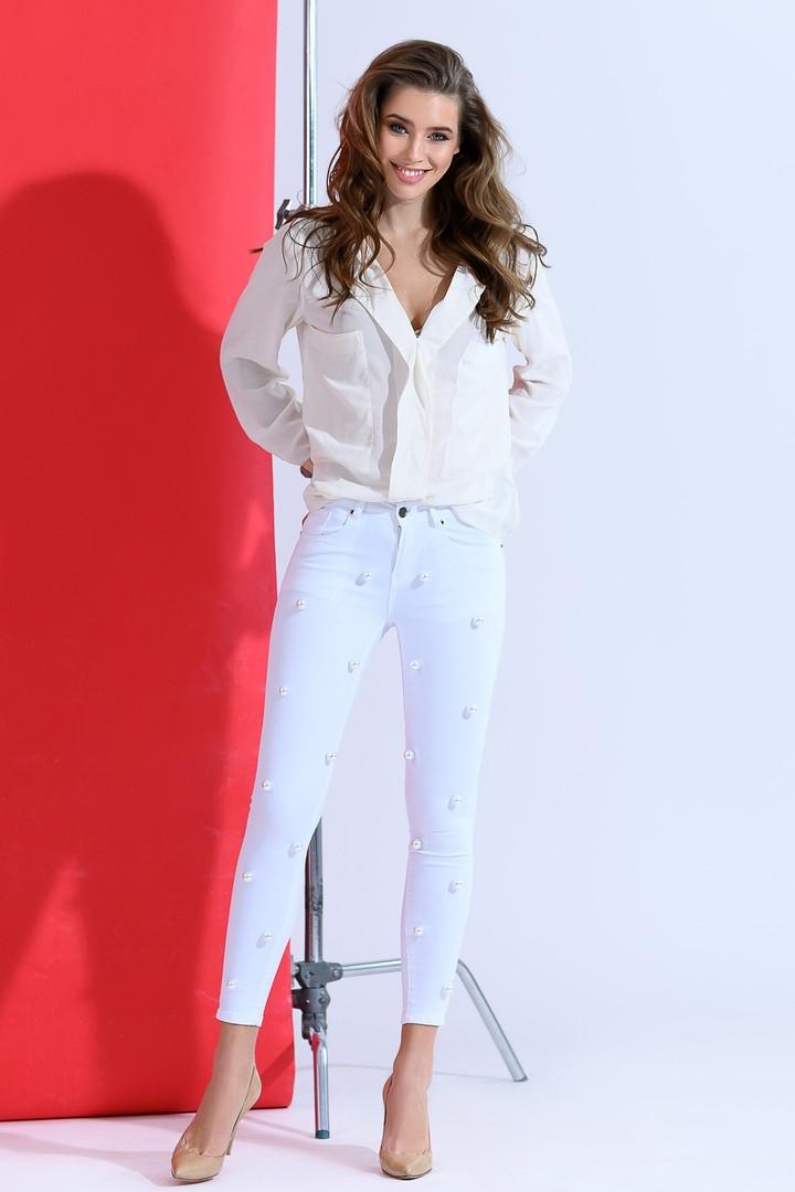 Красивые женские стрейчевые джинсы с жемчугом