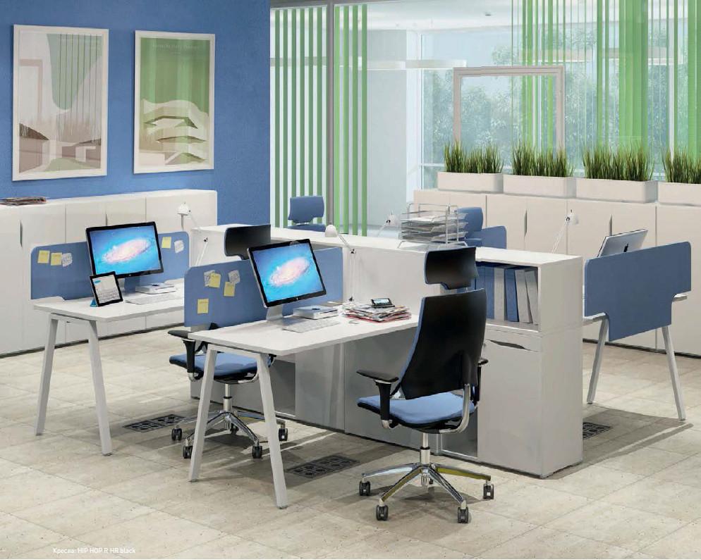 Рабочее место 4х офисных сотрудников с разделяющей тумбой М1