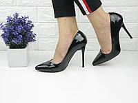 Туфли женские лаковые лодочки на шпильке черные 1068