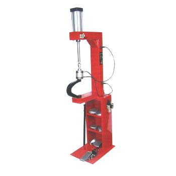 Вулканизатор с пневматическим прижимом, на стойке, 2 нагревательные пластины, комплект прижимов Torin TRAD004Q