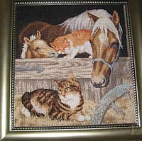 Набор для вышивания крестиком Лошадь и котята. Размер: 30,5*31,8 см