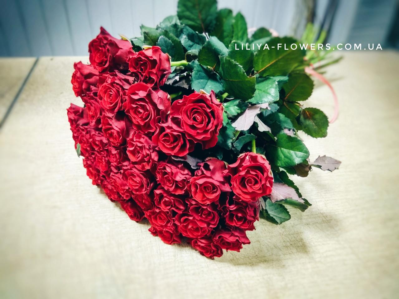 Букет из 35 красных роз, 50 см