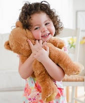 Как выбрать в подарок малышу мягкую игрушку? Почему малыши отдают предпочтение плюшевому мишки?