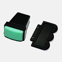 Прямоугольный штампик для стемпинга с зеленым резиновым штампим