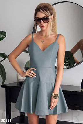 Модное платье мини юбка клеш без рукав на бретелях кожа голубого цвета, фото 2